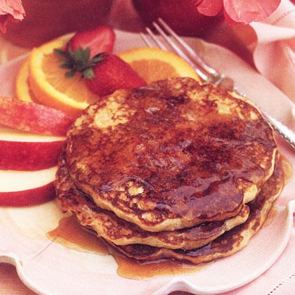 applesauce-pancakes-oh-1732650-x